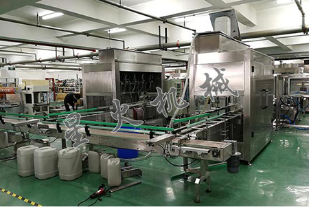 Automatic Liquid Bottling Filing Machine